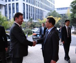 捷克共和国众议院主席一行访问炬华科技