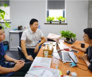 湖州市长兴县商务局施贤超主任一行到访协会