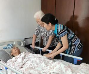 探望协会元老,不负前辈期望 ——秘书长一行代表协会拜访、慰问吴天益老先生